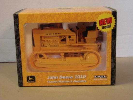 ERTL 1/16 JOHN DEERE 1010 CARWLER TRACTOR - NIB