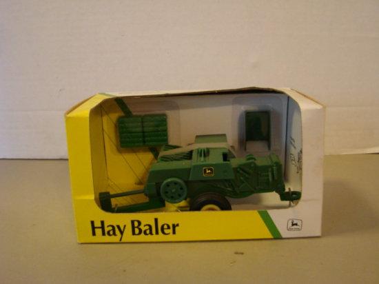 ERTL 1/32 JOHN DEERE HAY BALER - NIB