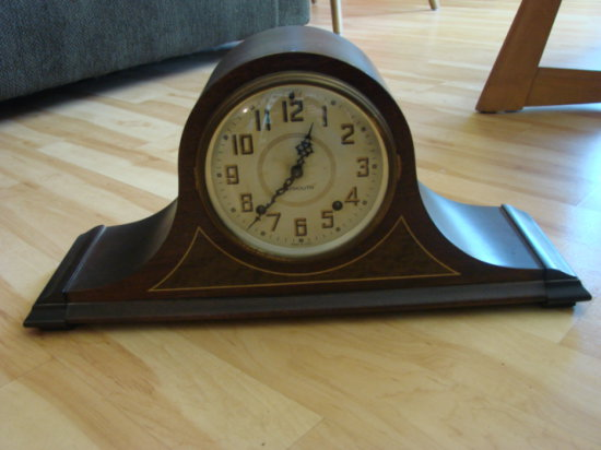 PLYMOUTH 1800 SERIES ARCH TYPE MANTLE CLOCK