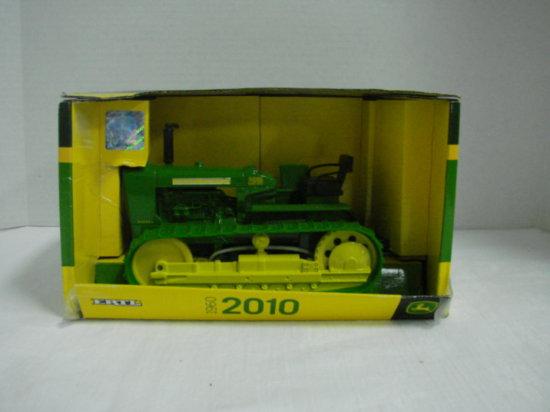 1/16 ERTL 1960 2010 CRAWLER