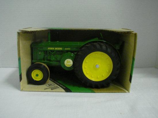 1/16 ERTL 1949 /1954 MODEL R COLLECTORS EDITION TRACTOR