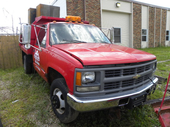 1994 Chevy 3500 dually 4X2, AT, 6.5 V8 diesel (not running) & 8ft dump bed w/ Western hyd V plow;