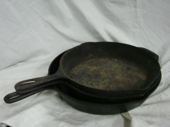 (3) CAST IRON SKILLETS