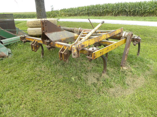 LANDOLL 8FT CHISEL PLOW