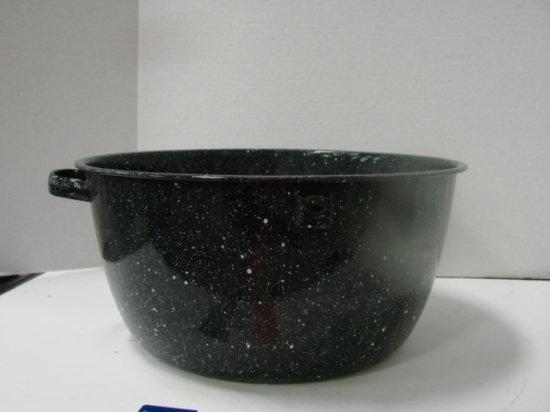 (1) LARGE  BLUE SPECKLED ENAMEL PAN