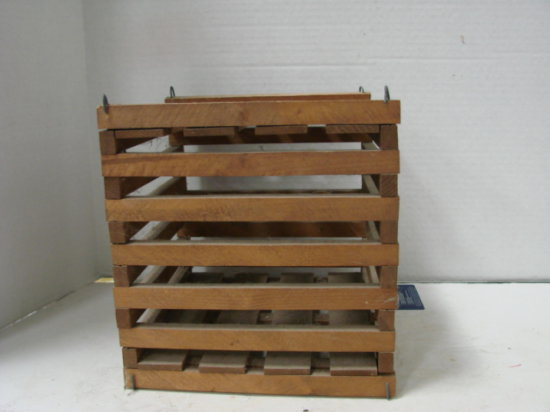 SMALL WOODEN EGG CRATE