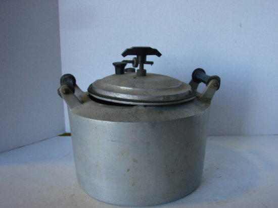 VINTAGE MINIT MAID  COOKING POT W/ LID