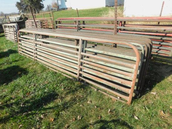 (6) 16FT ROUND & SQUARE PIPE HOG GATES