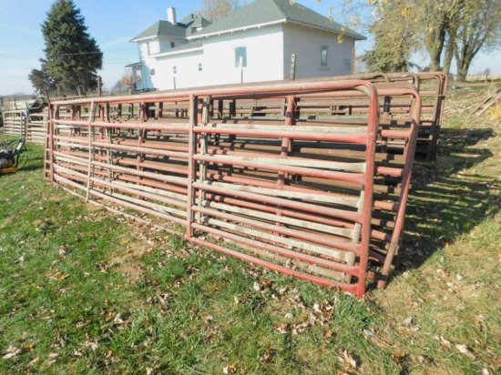 (3) 14FT & (2) 16FT PIPE CATTLE GATES