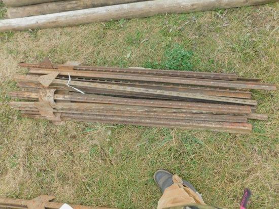 (25) 5FT STEEL POSTS