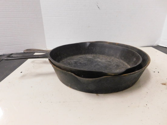 WAGNER # 10 & UNMARKED  CAST IRON SKILLETS