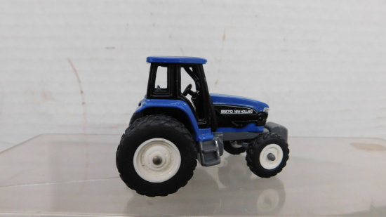 1/64 NEW HOLLAND 8970 TRACTOR