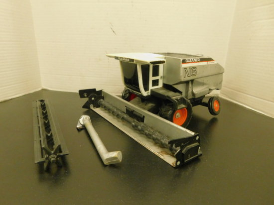 SCALE MODELS 1/12 SCALE ALLIS CHALMERS GLEANER