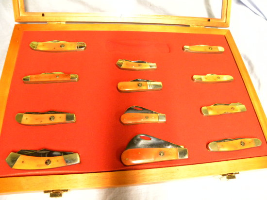 SET OF (12) WHITETAIL CUTLERY POCKET KNIVES W/ DISPLAY CASE