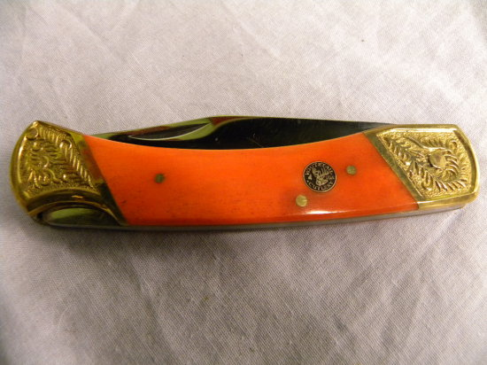 WHITETAIL LOCK BLADE KNIFE W/ ORNATE GOLD ENDS