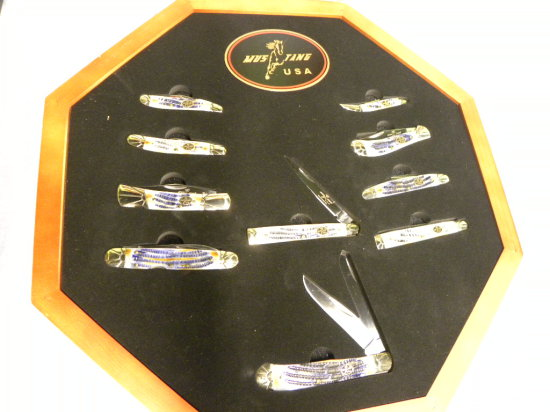 MUSTANG USA #440 STAINLES POCKET KNIFE SET IN OCTAGON DISPLAY