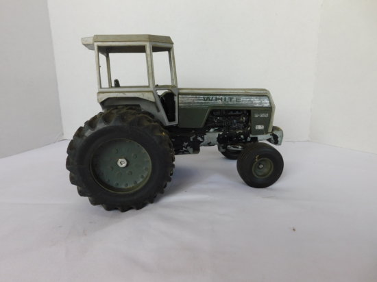SCALE MODELS 1/16 WHITE 2-155 W/ DUALS