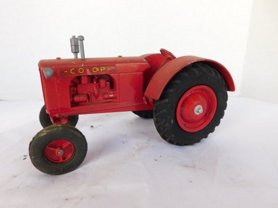 UNKNOWN 1/16 CO-OP NO.3 TRACTOR ON RUBBER