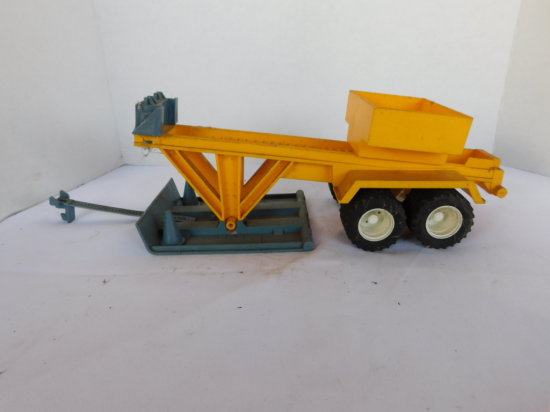 1/16 PLASTIC TRACTOR PULLING SLED