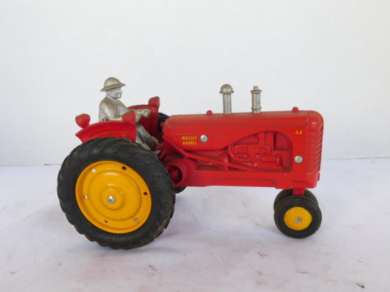 UNKNOWN 1/16 MASSEY HARRIS 44 NARROW FRONT W/ DRIVER