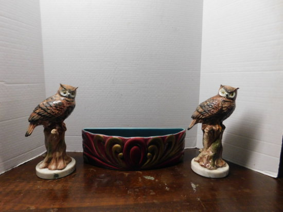 Redwing 1/2 circle planter (2) marble based owls