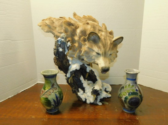resin wolf statue & (2) Mexico vases
