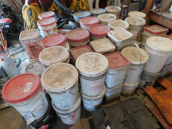 bulk lot of concrete color powder - (68) 5 gal buckets