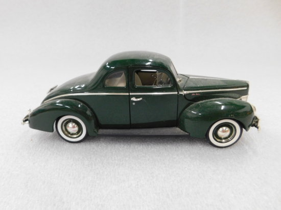 ERTL 1940 FORD COUPE DIE CAST CAR