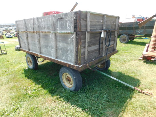 JOHN DEERE 6X10 BARGE BOX WAGON W/ HOIST ON JOHN DEERE 943 GEAR