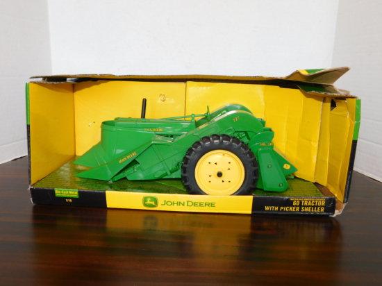 ERTL 1/16 JOHN DEERE 60 TRACTOR W/ PICKER SHELLER W/ BOX