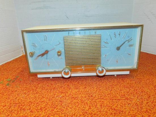 ZENITH AM ALARM CLCOK RADIO