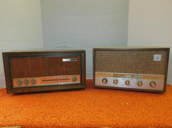 (2) WOOD CABINET AM/FM RADIOS