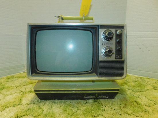 ZENITH LIME GREEN AC/DC PORTABLE BLACK & WHITE TV