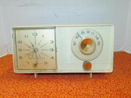 GENERAL ELECTRIC AM ALARM CLOCK RADIO