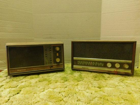 (2) AM/FM MAGNAVOX WOOD CABINET RADIOS