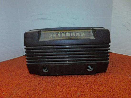 1947 RADIOLA AM RADIO