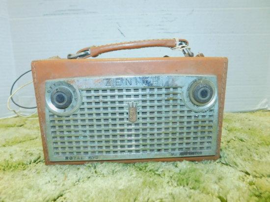 ZENITH ROYAL 675 TRANSISTOR RADIO