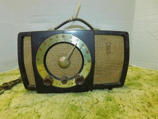 ZENITH AM/FM RADIO