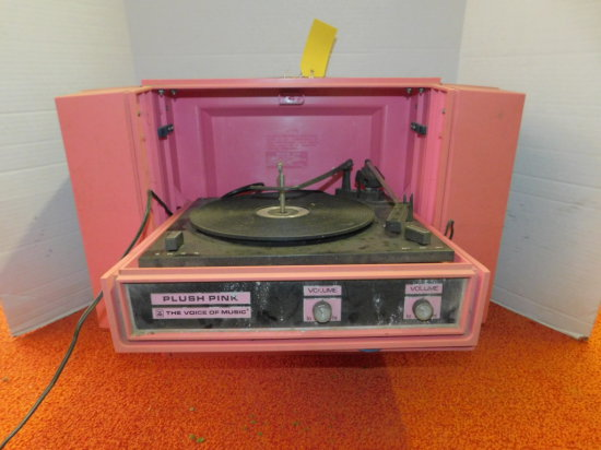 THE VOICE OF MUSIC PLUSH PINK RECORD PLAYER