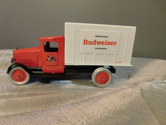 1/18 SCALE TIN ANHEUSER BUSCH DELIVERY TRUCK
