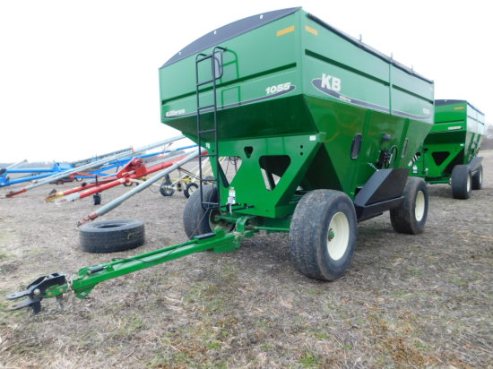 KILLBROS 1055 GRAVITY WAGON W/ ROLL TARP, SURGE BRAKES & LIGHT KIT