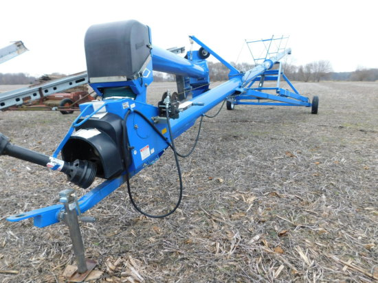 BRANDT 1060 AUGER W/ XL SWING-AWAY HOPPER