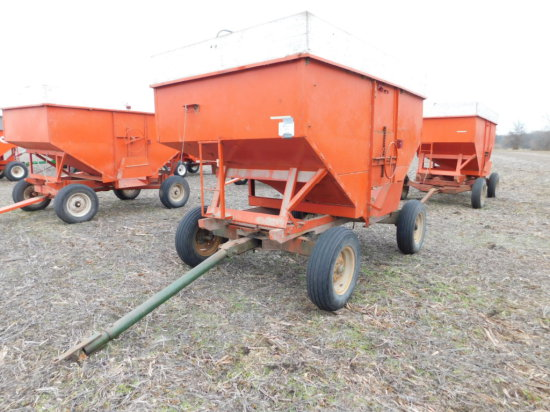 200 BUSHEL GRAVITY WAGON ON GEAR