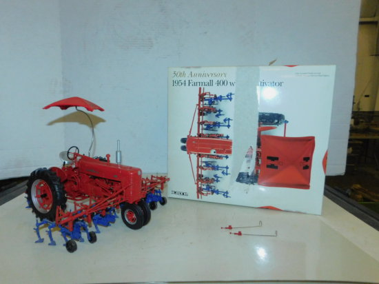 ERTL 1/16 50TH ANNIVERSARY 1954 FARMALL 400 WITH CULTIVATOR & BOX