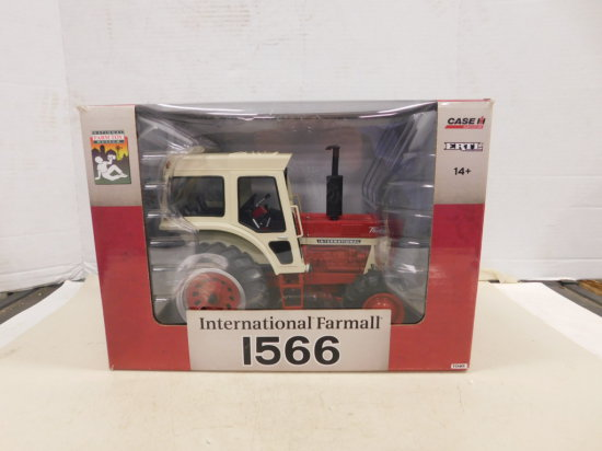 ERTL 1/16 INTERNATIONAL FARMALL 1566 MFWD W/ BOX