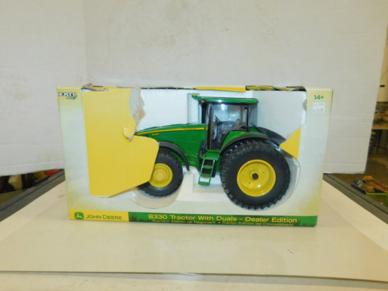 ERTL 1/16 DEALER EDITION JOHN DEERE 8330 MFWD W/ BOX