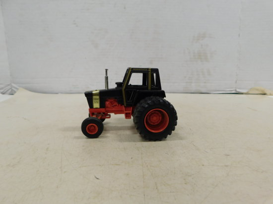 ERTL 1/32 CASE 1170 BLACK KNGHT DEMONSTRATOR W/ DUALS