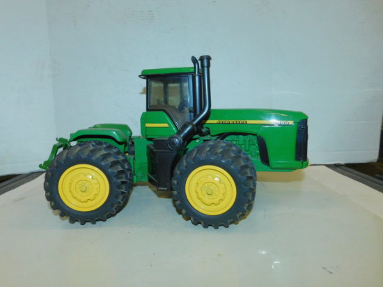 ERTL 1/16 JOHN DEERE 9400 1996 COLLECTOR EDITION 4X4 TRACTOR