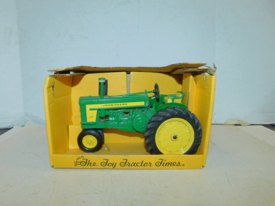 ERTL 1/16 COLLECTOR'S EDITION JOHN DEERE 720 W/ BOX