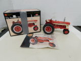ERTL PRECISION SERIES 1/16 FARMALL 460  TRACTOR W/ BOX